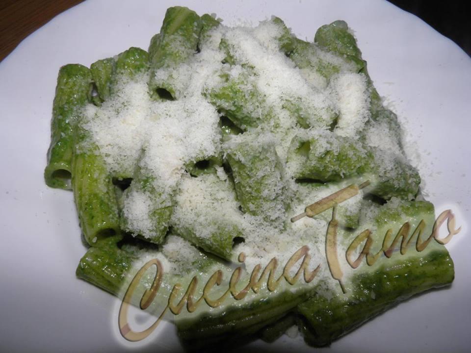 Rigatoni spinaci e Philadelphia