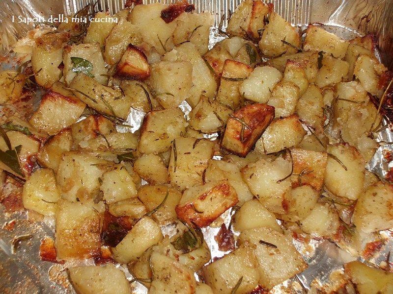quadrotti di patate al forno agli aromi